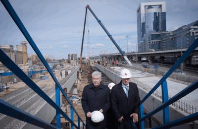 Сергей Собянин проинспектировал строительство крупнейшего ТПУ в Москва-Сити