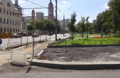 Работы по комплексному благоустройству проводятся на Люсиновской улице