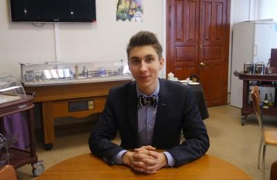 Студент колледжа управления, гостиничного бизнеса и информационных технологий «Царицыно» Всеволод Колобов выиграл в конкурсе «Студент года» среди учащихся средне специальных учебных заведений