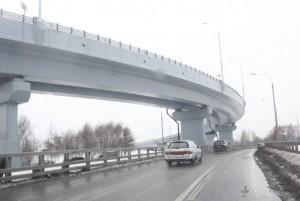 Столичным автомобилистам советуют не торопиться со сменой резины