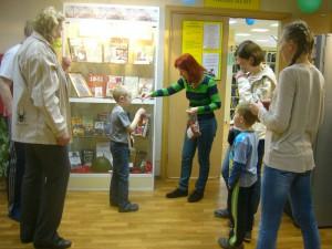 Всем читателям и местным жителям методисты в рамках акции «Чтобы помнили!» подарили георгиевские ленты