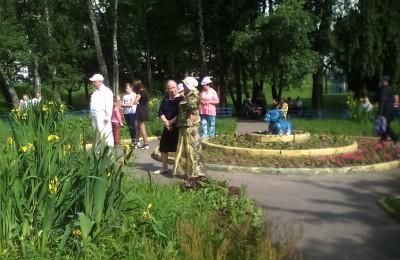 День памяти и скорби в районе Бирюлево Восточное прошел в Яблоневом сквере