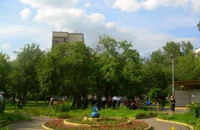 Яблоневый сквер в районе Бирюлево Восточное