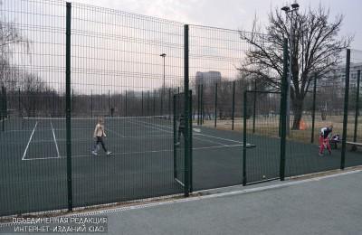 Занятия по большому теннису
