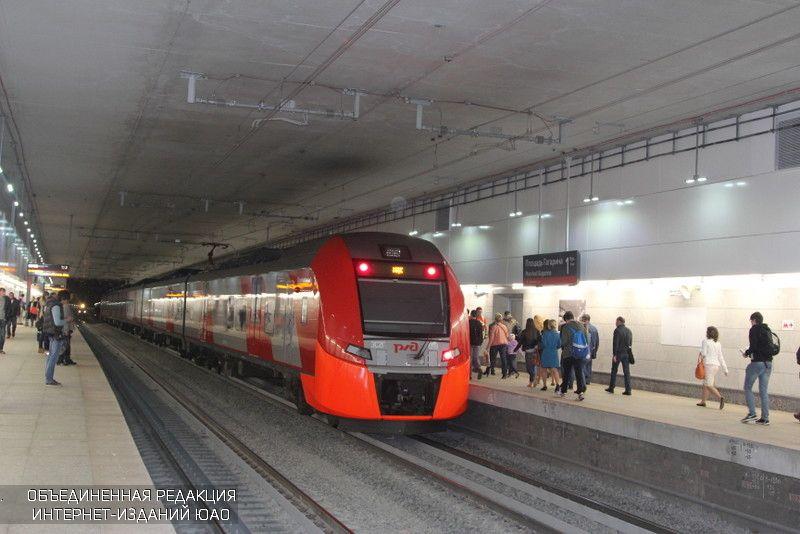 Вчасы пик 70 процентов всех поездок в российской столице приходятся на публичный транспорт