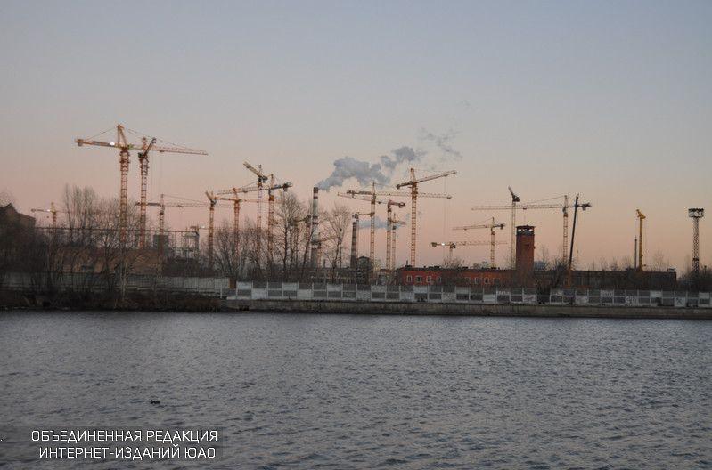 В столице России планируют построить плавающий бассейн