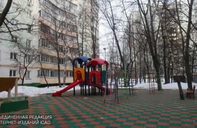 Детская площадка на Бирюлевской улице