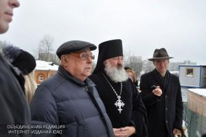 Владимир Ресин проверил, как строят новые храмы в Южном округе