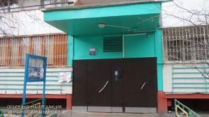 По просьбе местной жительницы в подъезде дома на Загорьевской улице отремонтировали входную дверь