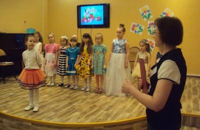 Конкурс «Маленькая Мисс библиотека» в библиотеке №140