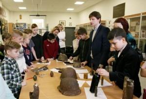 Ученики школы №1861 провели двуязычные экскурсии в четырех музеях