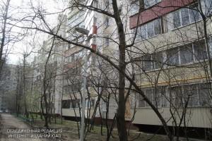 Дворовую территорию на Загорьевской улице привели в порядок по просьбе жительницы района