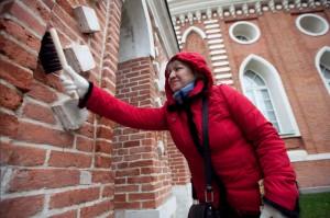Общегородской субботник провели в музее-заповеднике «Царицыно»