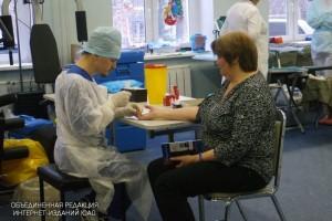 Работники станции переливания крови отметили День донора