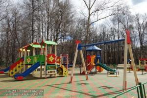 В районе Бирюлево Восточное провели ремонт малых архитектурных форм на детской площадке во дворе по адресу: Улица Бирюлевская, дом 30