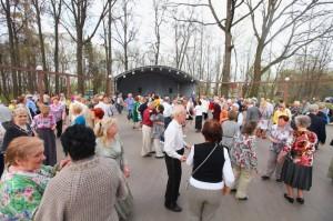 На территории музея-заповедника «Царицыно» открылась танцевальная площадка