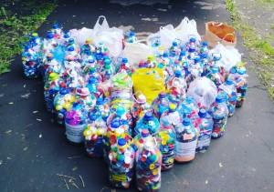 Жители района Бирюлево Восточное поучаствовали в благотворительной акции «Добрые крышечки»