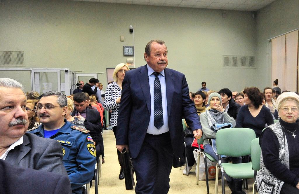 Встреча жителей с Алексеем Челышевым