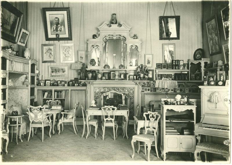 Фото гостиной в Александровском дворце