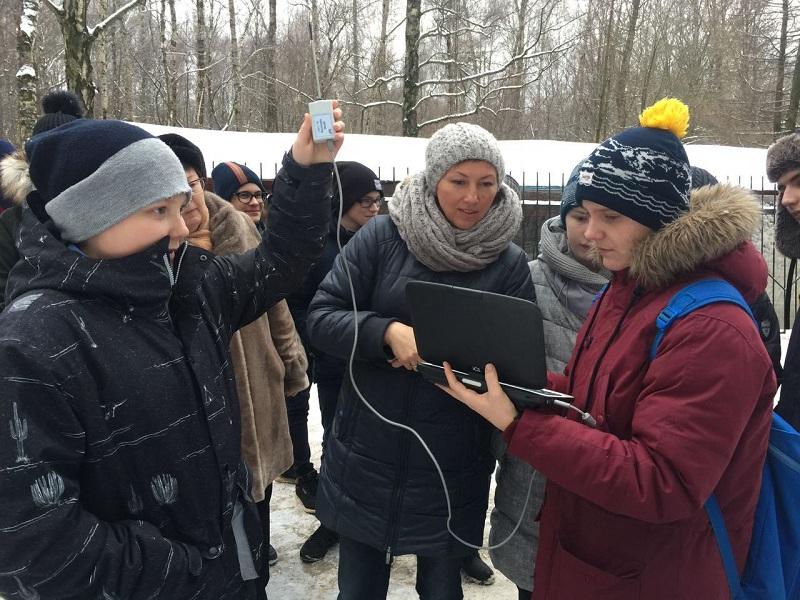 Школьники Бирюлева Восточного проводят замеры воздуха
