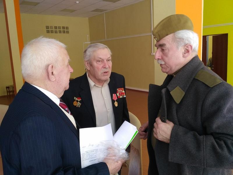 Ветераны района на празднике в библиотеке на Касимовской