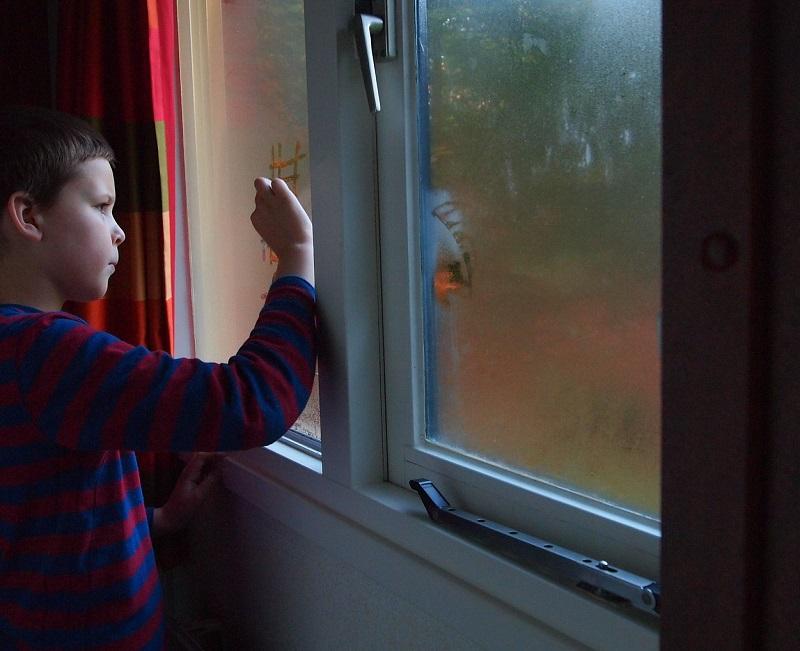 окно, ребенок, пиксибей, 2907