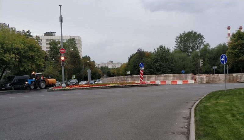 Бирюлевская и Лебедянская улицы, теплосети, 0808