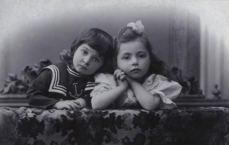 Галерея Загорье, детская мода 100 лет назад, сайт, 2009