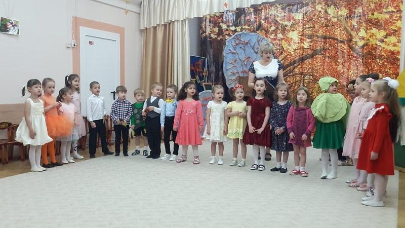 Жанна Стадник, детский сад, школа 508, осень, 0511 (1)