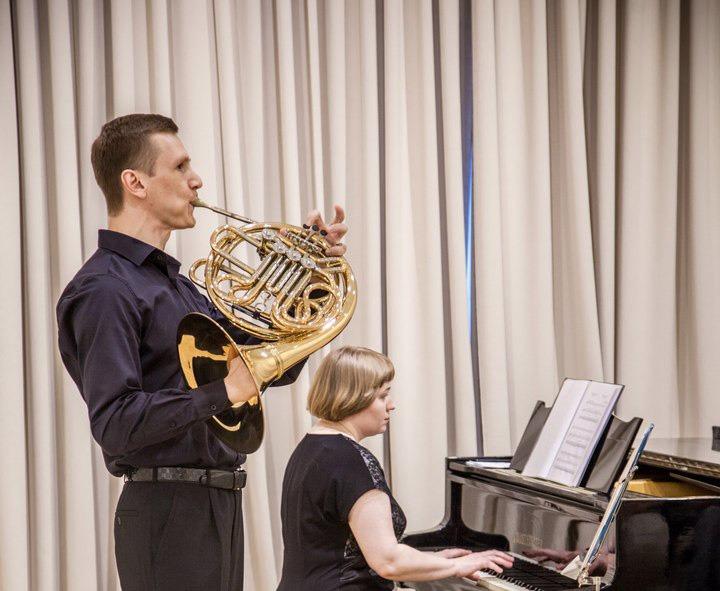 валторна, классика, музыка, концерт, галерея Загорье, Иванова, 2712